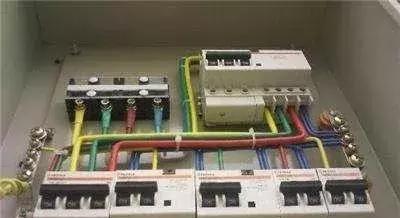 哪个师傅总结的建筑楼房电气线路装备的原则,太到位不可错过