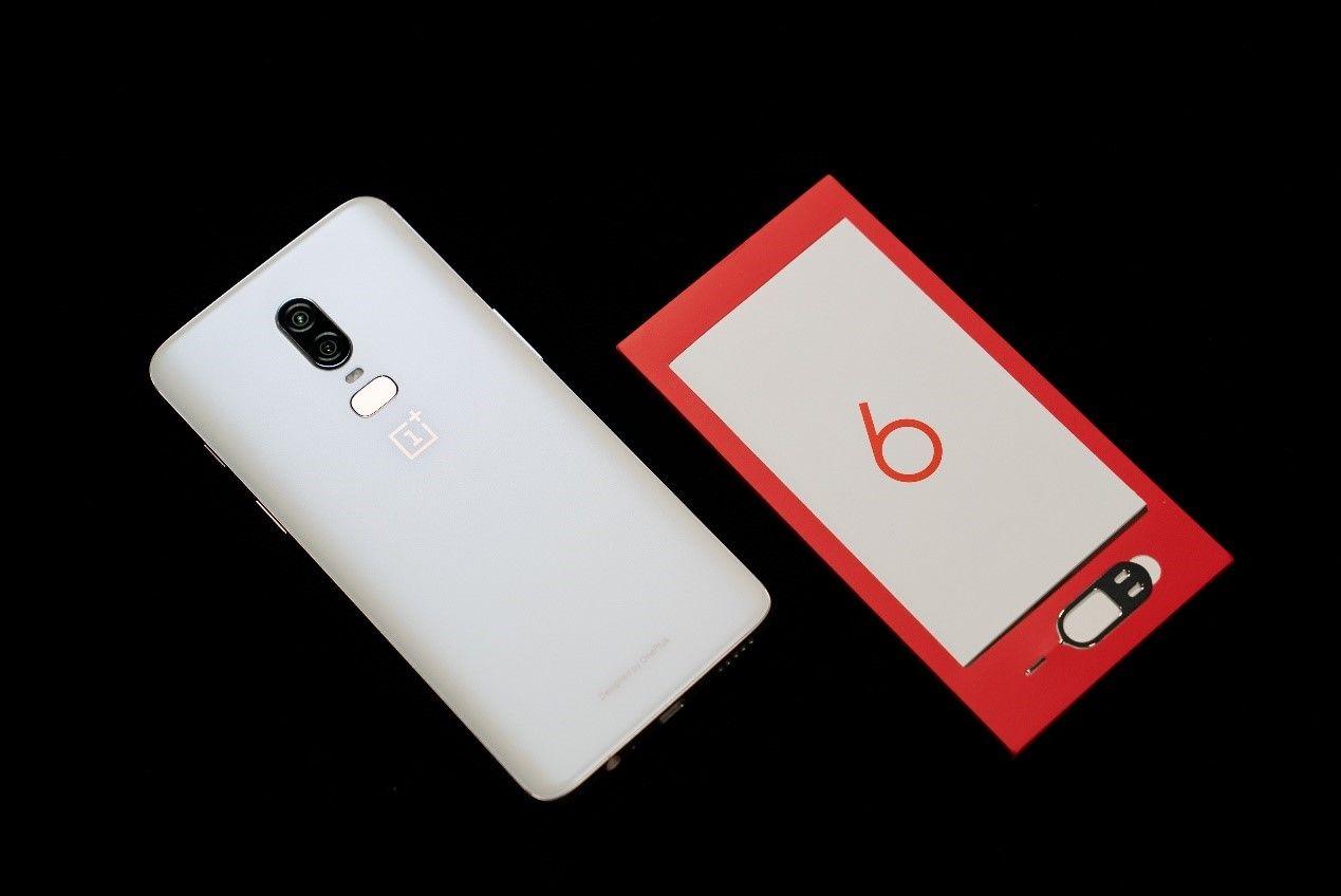 性能排名第一的白色手机 一加6月牙白赏析