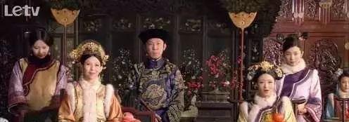 甄嬛传:华妃嘲笑皇后是庶出,为何皇后不生气甄嬛却反唇相讥?