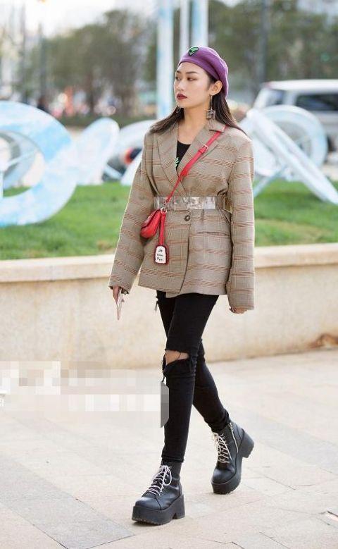 时尚资讯网|[热文]不同年轻段的女人穿衣也不同,有人爱性感打扮,有人爱减龄打扮!