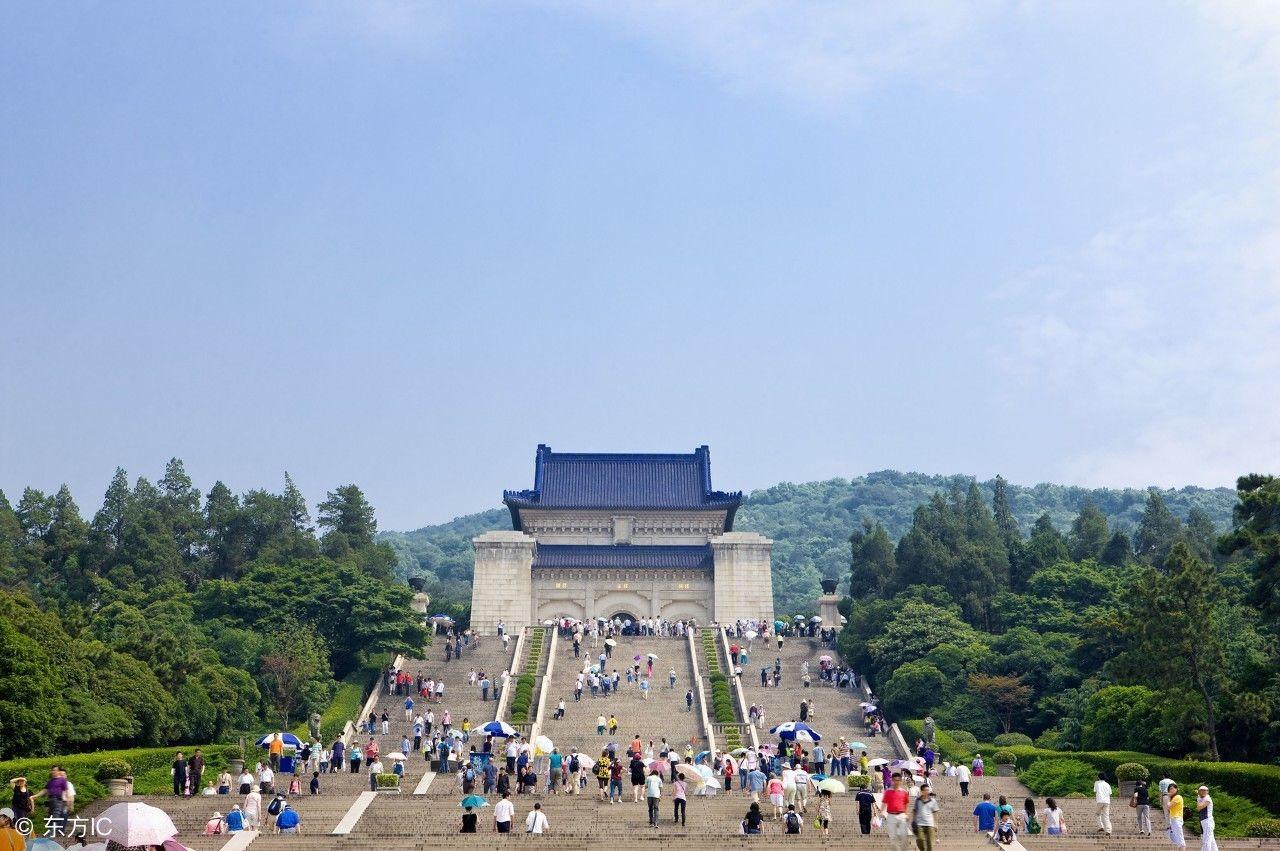 也是国家的重点风景名胜区,它就是中山陵.