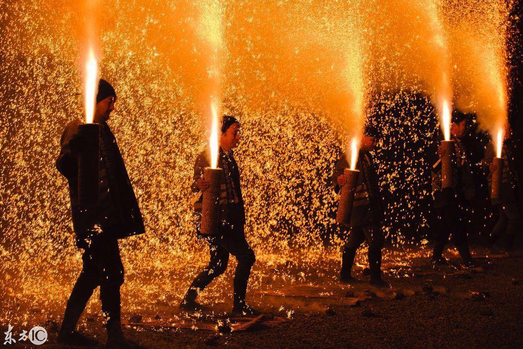 国际 正文  烟火大会,日本传统文化活动,自江户时代开始兴起,是日本夏