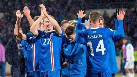 作风顽强,团结,斗志昂扬,无所畏惧是冰岛队的最大资本.