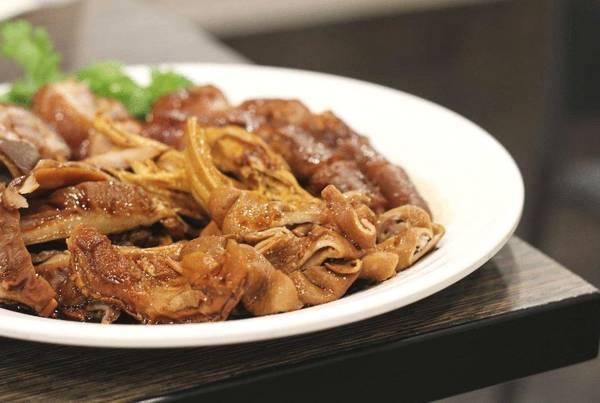 为什么祖传的一款卤水,出锅后十里飘香,美味至极!张师傅香卤美食鉴赏!