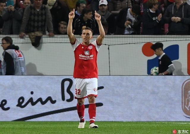 德甲第30轮 美因茨2:0战胜弗赖堡 尝得胜绩