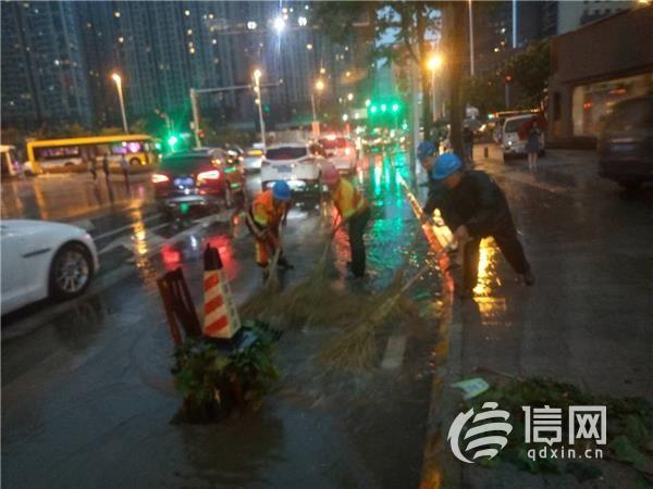 应对暴雨冰雹恶劣天气 青岛市城市管理系统在行动