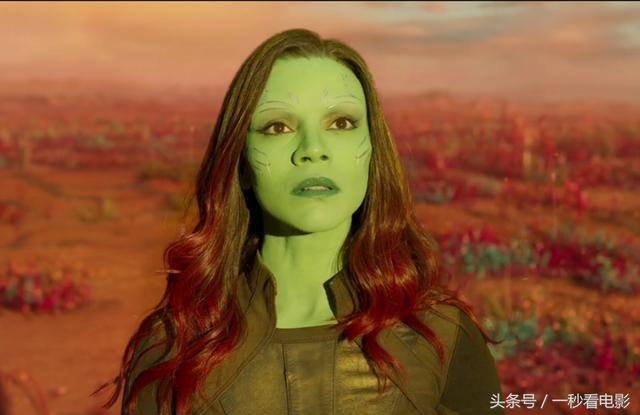 尤其在《银河护卫队1》中,当灭霸说他最爱的女儿是卡魔拉时,星云的