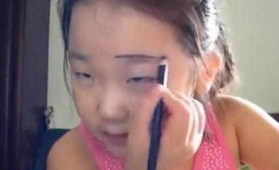 你一定没见过00后小学生化妆,你还在素颜吗?逆!天!了!