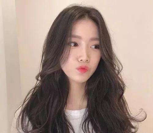 韩国流行长发气垫烫图片 2019年最好看的发型