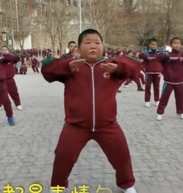 11岁面部练武,表情秒变表情,想成为像他钱鸡年问讨妈妈男孩包图片