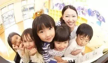 孩子上幼儿园后爱攀比了怎么办?
