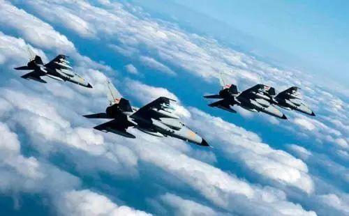 昨日空军一架飞机突发事故坠机!来看专家解读失事可能
