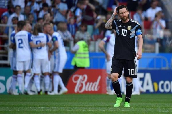 梅西遗憾错失点球!阿根廷1比1冰岛,导演门将神发挥
