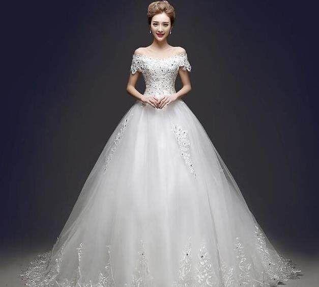 时尚 正文  典雅的金牛:镶钻花朵婚纱 金牛座的新娘的婚纱一定要足够