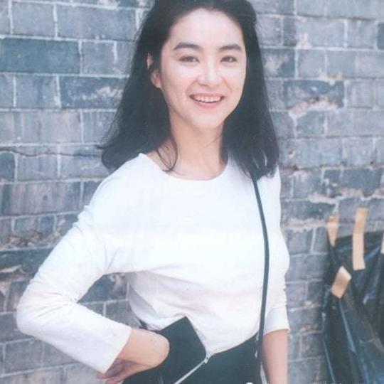 香港80年代最美的女星之一林青霞旧照集锦图片
