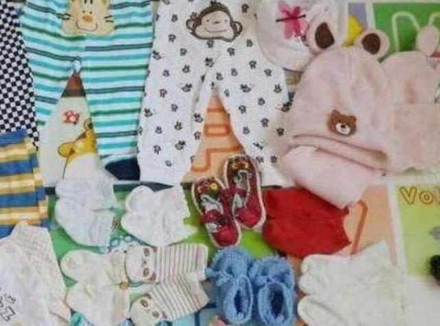 """宝宝可以穿亲戚给的""""旧衣服"""",但是这4种东西,家长最好别要了"""