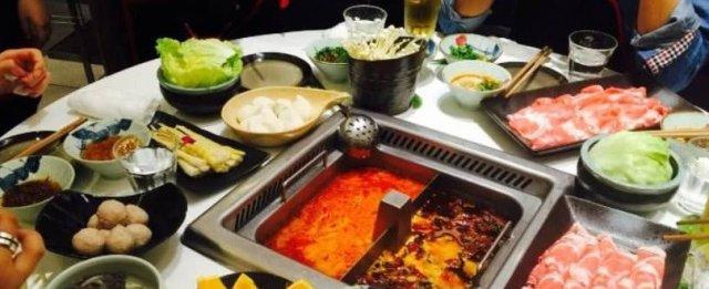 吃海底捞自带食材,服务员让顾客签字后才能吃,网友:没那么简单
