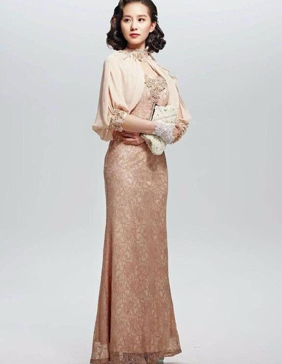 [精彩]刘诗诗身穿旗袍,尽显东方女性魅力,大红色着装更显妖娆