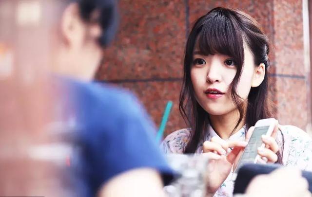 小林告诉我们,他和日本女孩结婚的时候,对方有问过他要不要考虑在日本图片