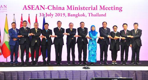 中国-东盟外长会达成五方面重要共识