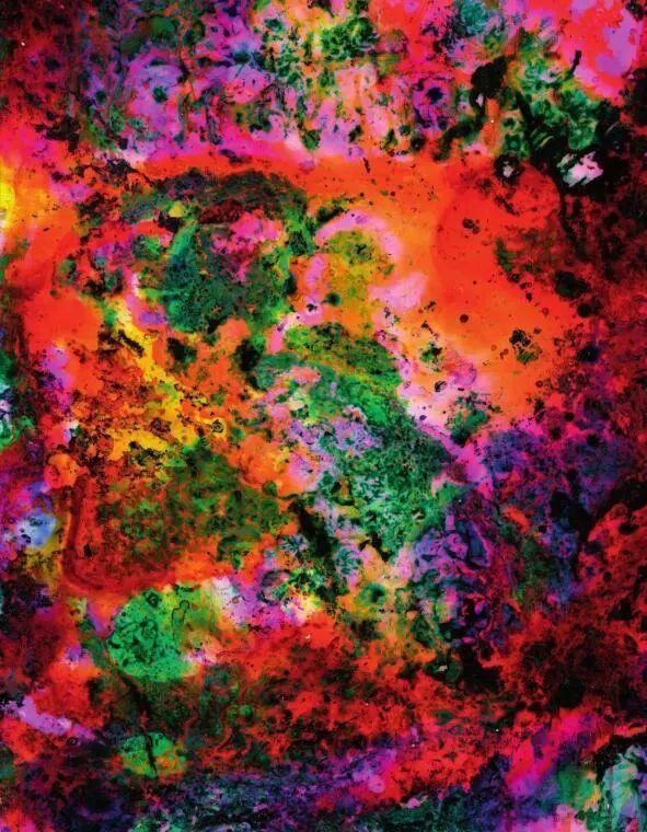 光影之间:摄影与抽象艺术的交织