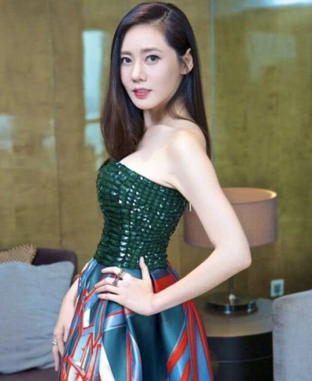 人气不输宋慧乔,这位中国媳妇婚姻幸福,满屏大长腿!