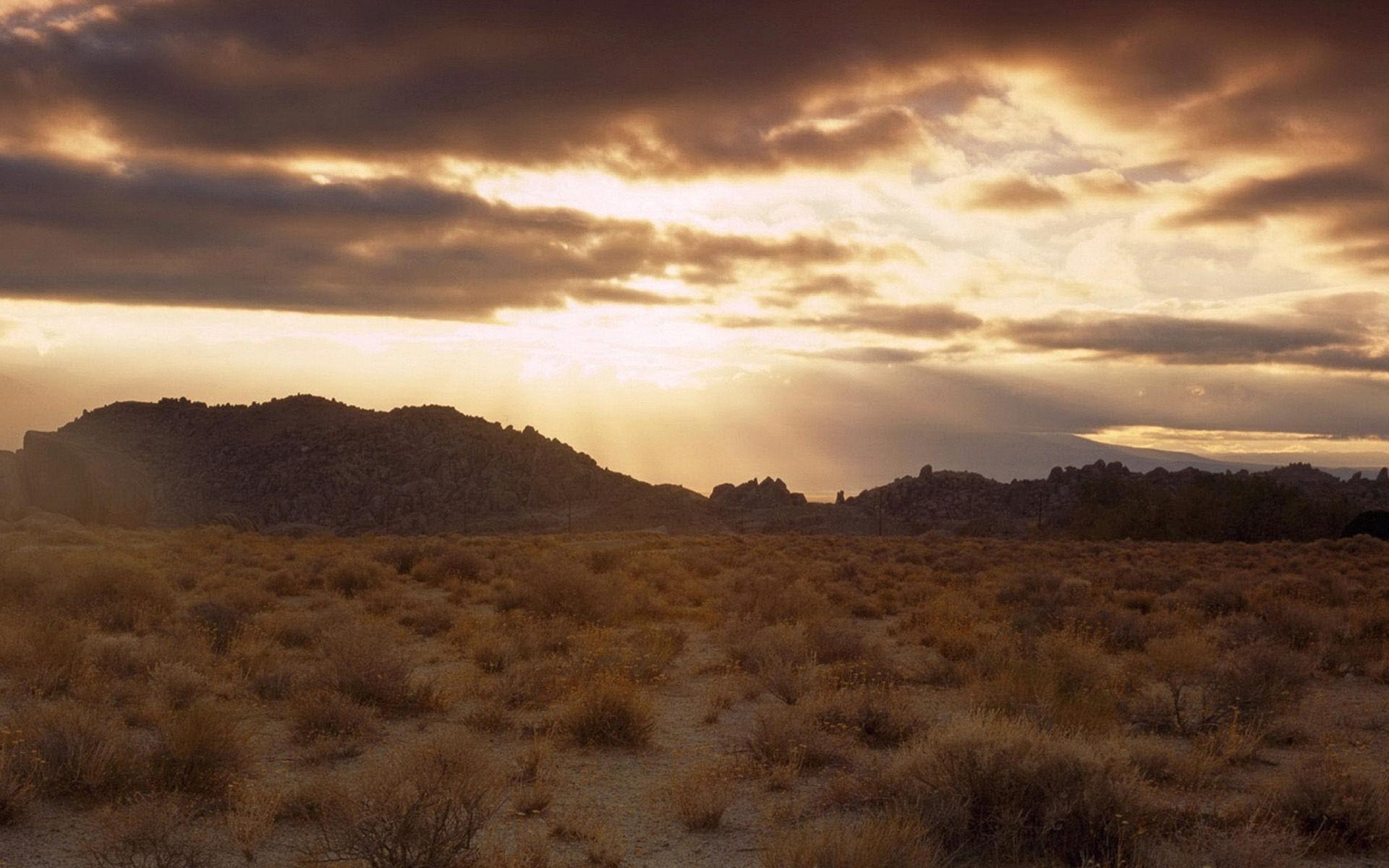酷熱沙漠黃沙風景桌面壁紙,一望無垠的沙漠極為壯觀!