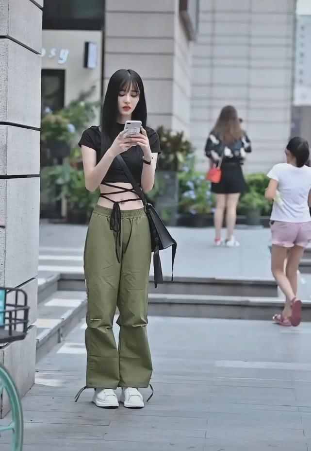 """街头突然崛起一款裤子: 叫""""抹茶裤"""", 显瘦潇洒插图"""