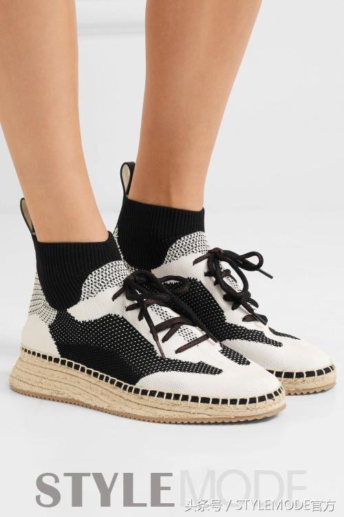 穿来穿去,还是球鞋美过高跟鞋!