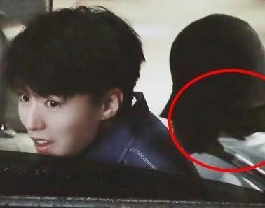 王俊凯开车录快本,副v女生却坐个女生,看清正脸女生主流头像非侧面图片
