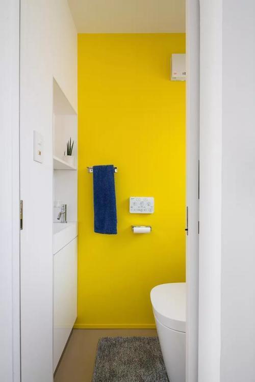 24张小浴室设计案例,教你如何增加收纳+提升浴室空间