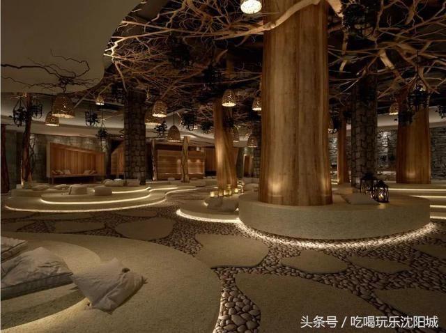 清河半岛温泉度假酒店配有五星级服务标准,精品酒店别墅区,室外大型水