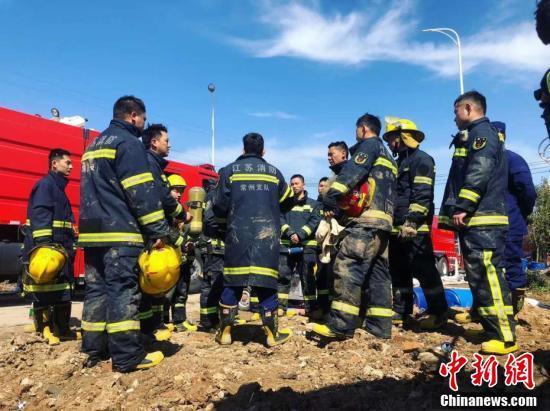 江苏盐城爆炸事故现场 救援工作持续