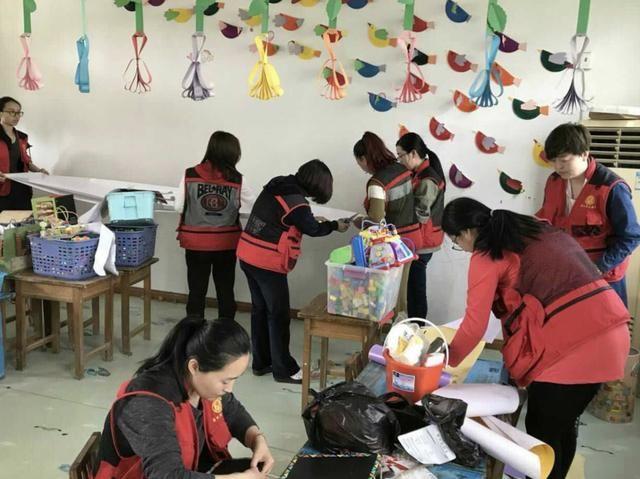 胜利街道中心幼儿园开展结对帮扶志愿服务活动