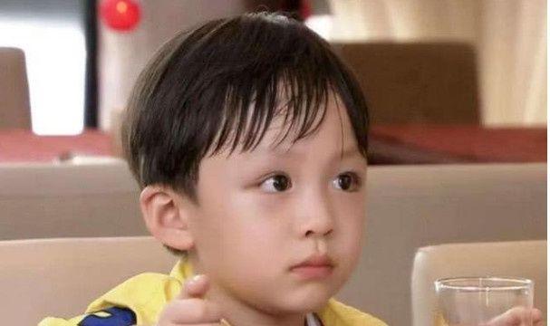 """""""雷哥""""终于长大了,娱乐圈等了你7年,看到颜值:果真没白等"""