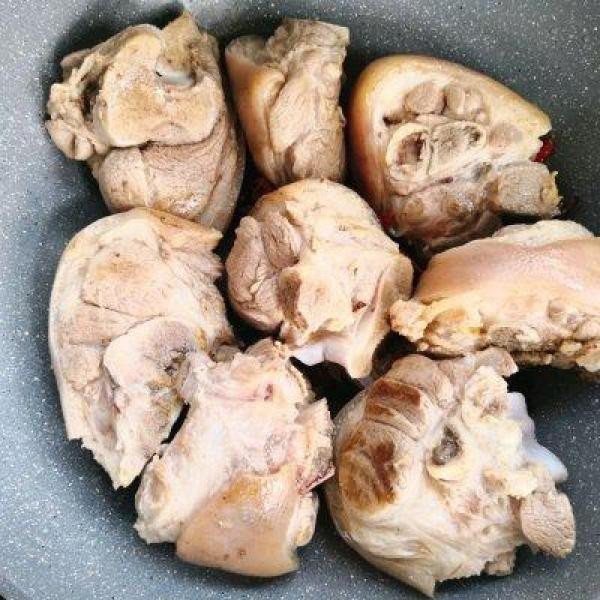 #硬核菜谱制作人#冬瓜炖猪毛豆肘子冬菇一起做好吃吗图片