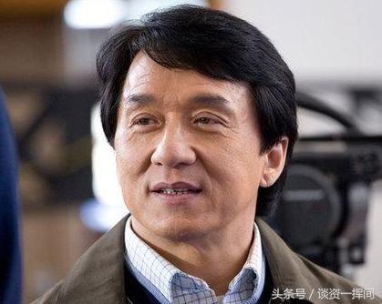 李连杰希望改回中国国籍,成龙一句实话狠狠扎