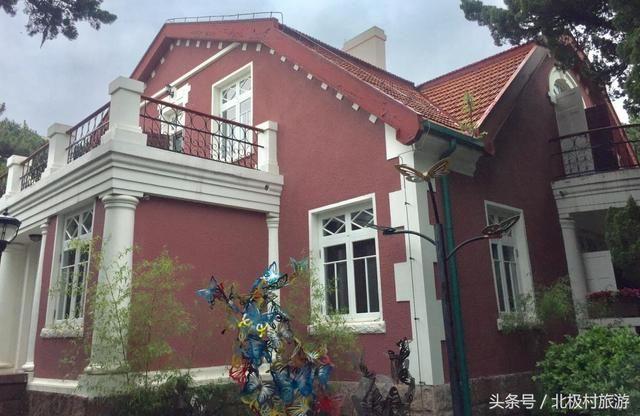 青岛最美景区八大关,红瓦绿树,碧海蓝天,海水浴场,风景如画