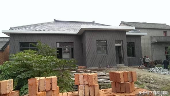用200平米宅基地建了栋一层平房,给爸妈养老正合适