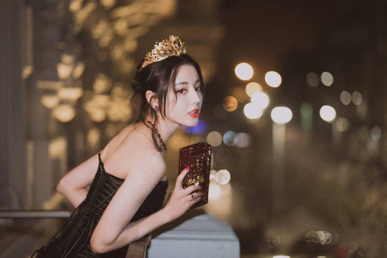 """原创            岳云鹏评价热巴为""""不可靠近的盛世美颜"""",劝她早点结婚生子"""