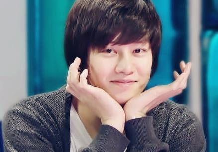 金希澈韩国歌手,演员,节目主持人,电台dj,歌曲作词家