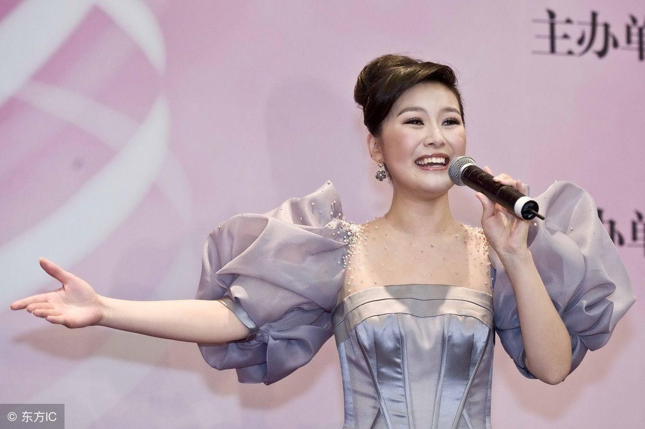 陈思思,在京发布首张个人专辑 春天的芭蕾 ,身穿这身裙子好美图片