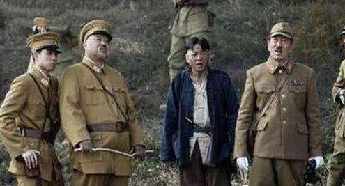 吃着日本人的饭抱着日本女人,却用7个字葬送2万日本兵