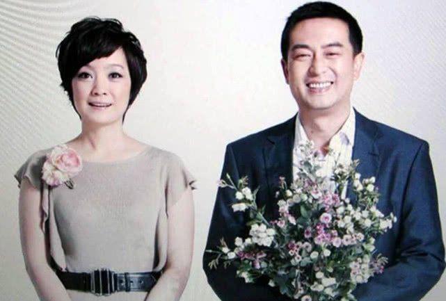 49岁张嘉译近照,隐瞒14年的二婚老婆,原来是我们熟悉的视后