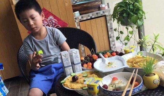 <b>5岁男孩吃完早餐,3小时离开人世,医生叹气:吃这东西一定要煮熟</b>