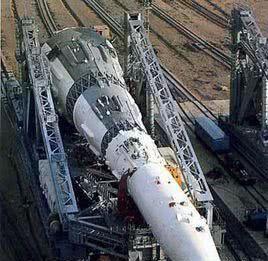 3000吨巨型火箭刚点火就爆炸 发射塔融化120名科学家遇难