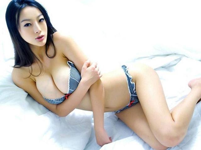 盘点一下娱乐圈里的性感女明星,看看有没有你的偶像: 王李丹妮是演员