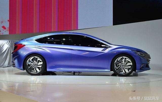 北京车展本田带来了2款,它们分别是车C与车S,随后广汽本田和东风本田分别推出了相对应的量产车型凌派和杰德,自然这次车展本田展台上的概念车理应得到我们特别关注。   除了思铂睿概念车,本田展台另一部概念车就是这台概念车Concept B。车头造型沿用了国产第九代雅阁设计思路,即使用大面积的金属质感装饰吸引观察者的目光。新一代思铂睿设计师表示这样的设计手法源自他们对于中国消费者的审美喜好调查,不知这样的设计是否合您口味? 新车前脸运用了本田最新的家族式前脸设计,并配备LED大灯进行点缀,与2012年本田发布
