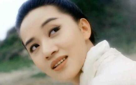 《新仙鹤神针》里梅艳芳和关之琳,两种不同的美,你们喜欢哪个