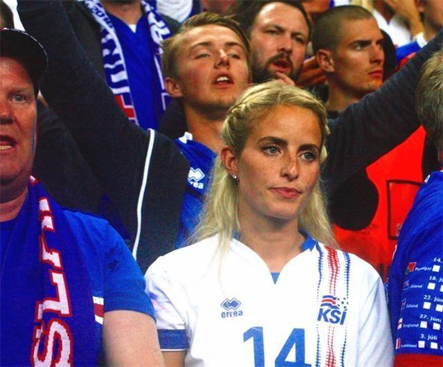 2018世界杯大事件,冰岛队队员竟然都是邻居,门